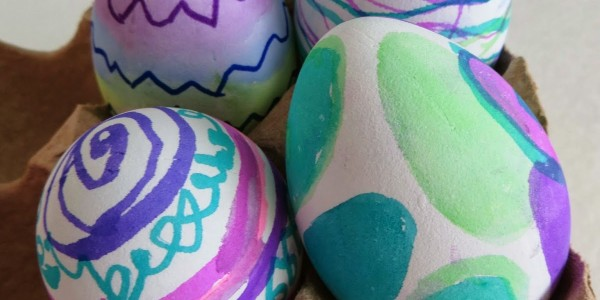 marker-easter-eggs-decorating-with-kids-no-mess